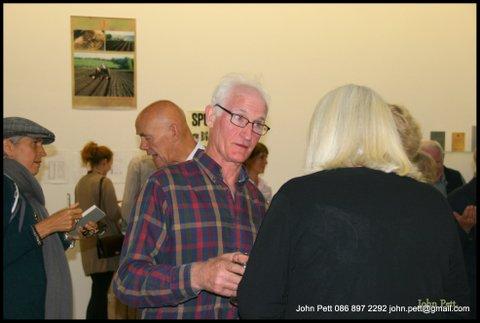 green-foundation-ireland-couple-conversation-in-gallery