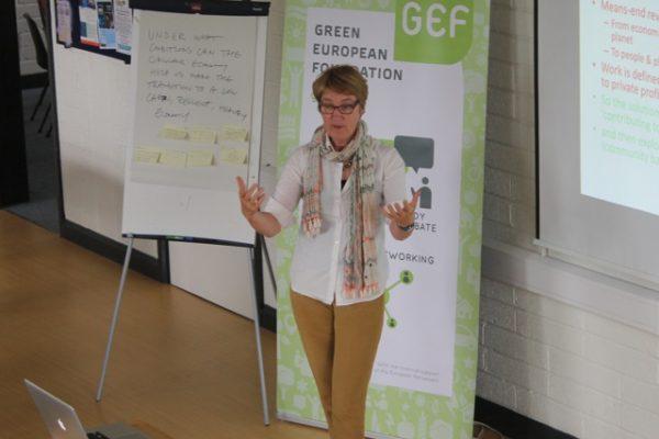 green-foundation-ireland-presenter-standing